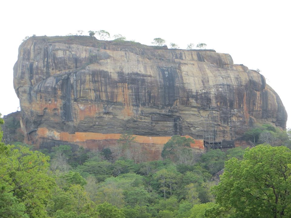 invite-to-paradise-holiday-honeymoon-sri-lanka-couple-sigiriya-9.jpg