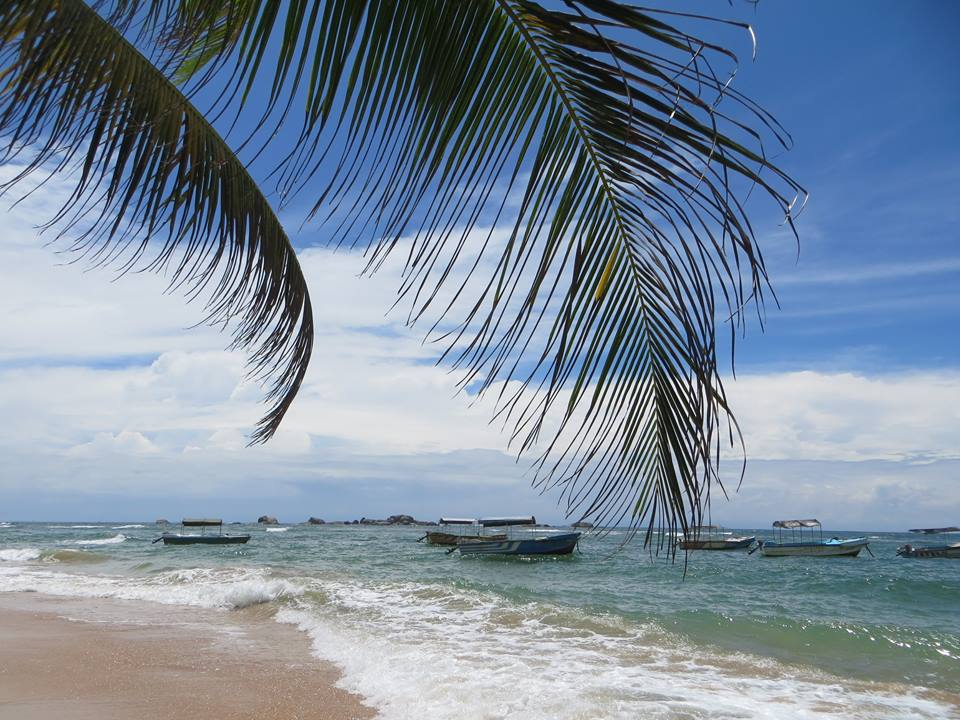 invite-to-paradise-holiday-honeymoon-sri-lanka-couple-october-7.jpg