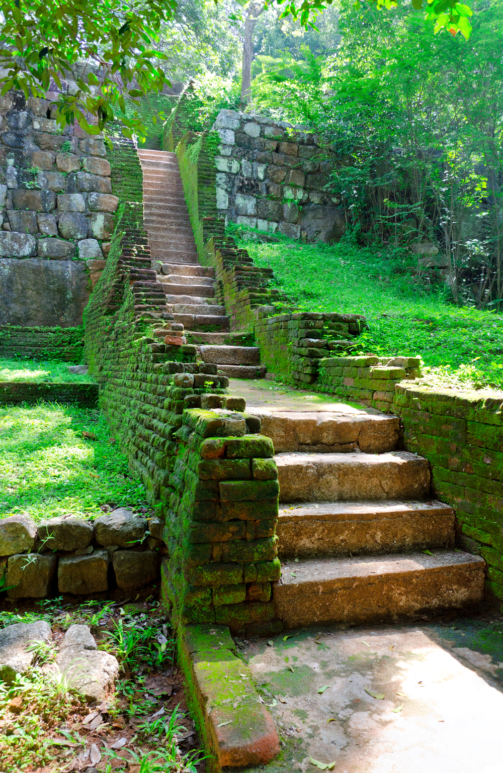 invite-to-paradise-sri-lanka-holiday-honeymoon-sigiriya-rock-fortress-stairs.jpg