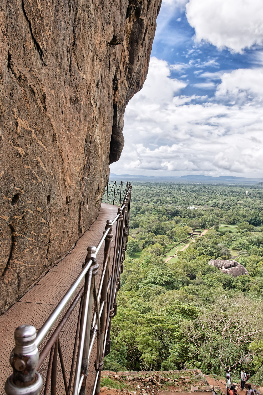 invite-to-paradise-sri-lanka-holiday-honeymoon-sigiriya-rock-fortress-walkways-2.jpg