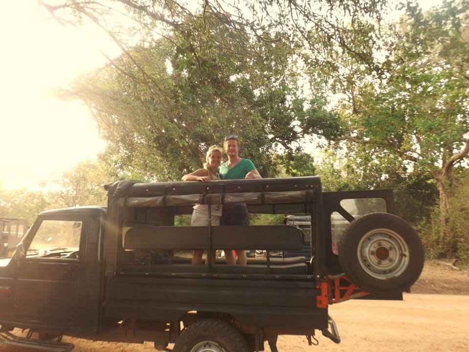 invite-to-paradise-customer-honeymoon-sri-lanka-safari-jeep.jpg