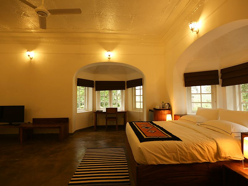 Invite-to-Paradise-Sri-Lanka-holiday-honeymoon-hotel-tea-plantation-boutique-the-secret-ella-room-3.jpg
