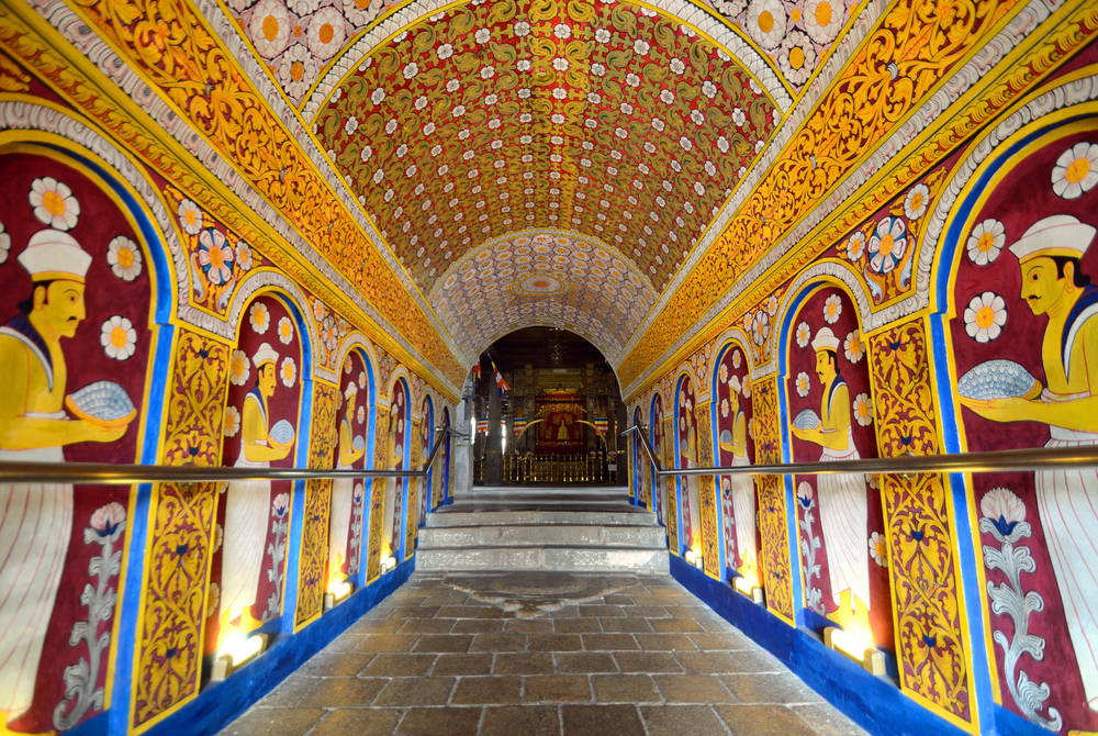 invite-to-paradise-sri-lanka-holiday-honeymoon-vacation-specialists-cultural-triangle-kandy-temple-of-the-tooth-7.jpg
