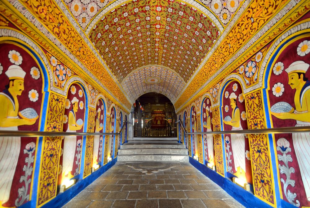 invite-to-paradise-sri-lanka-holiday-honeymoon-vacation-specialists-cultural-triangle-kandy-temple-of-the-tooth-7b.jpg