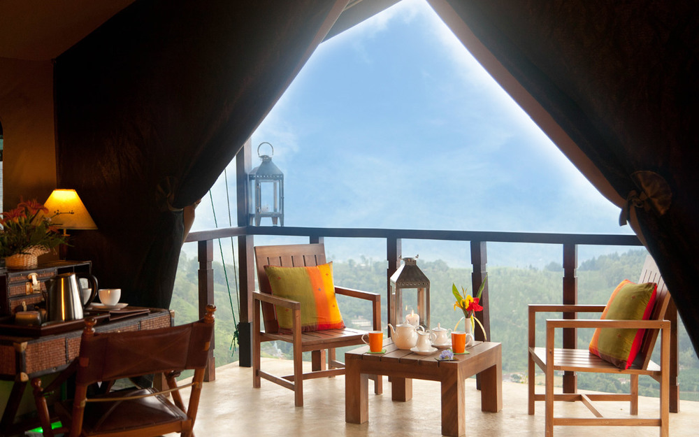 invite-to-paradise-sri-lanka-holiday-honeymoon-package-specialists-hotel-tea-plantation-boutique-madulkelle-tea-and-eco-lodge-kandy-room-interior-1.jpg