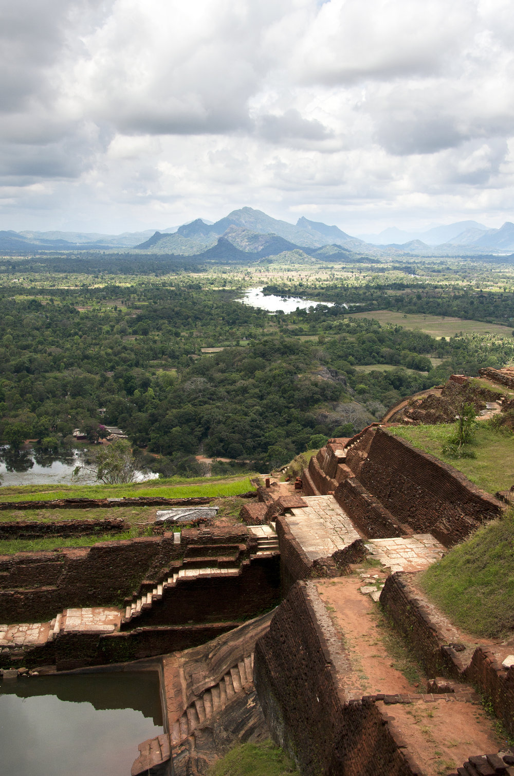 invite-to-paradise-sri-lanka-holiday-honeymoon-sigiriya-rock-fortress-view-from-the-top.jpg