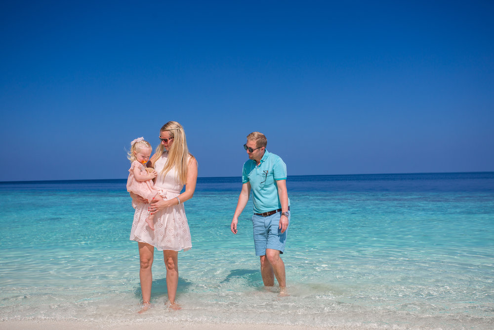 invite-to-paradise-holiday-honeymoon-maldives-lily-beach-reece-claire-betsy-turvill.jpg