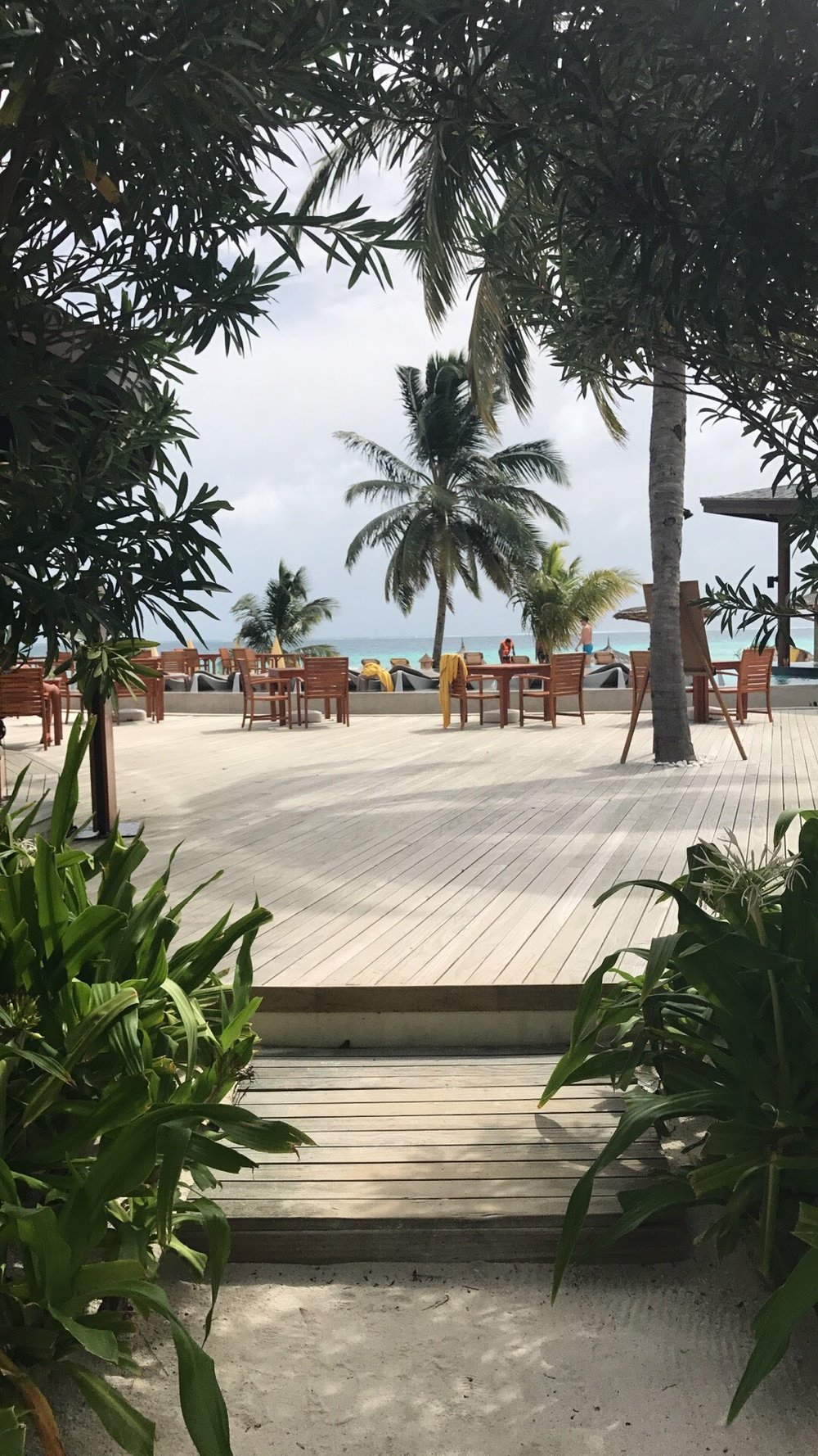 invite-to-paradise-maldives-sri-lanka-specialists-experts-travel-agent-tour-operator-customer-feedback-lucas-emily-fenning-elephant-orphanage-centara-ras-fushi-pool-area.jpg