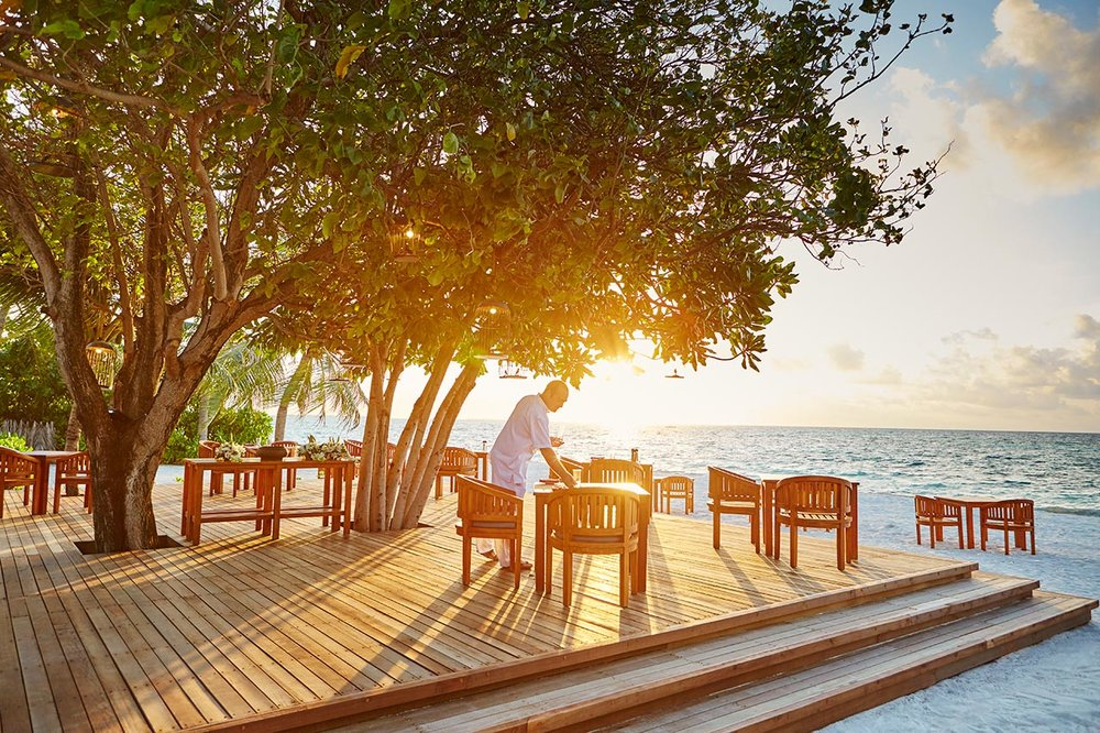 invite-to-paradise-maldives-luxury-holiday-honeymoon-package-specialists-experts-travel-agent-tour-operator-lux-south-ari-atoll-resort-allegria-restaurant.jpg