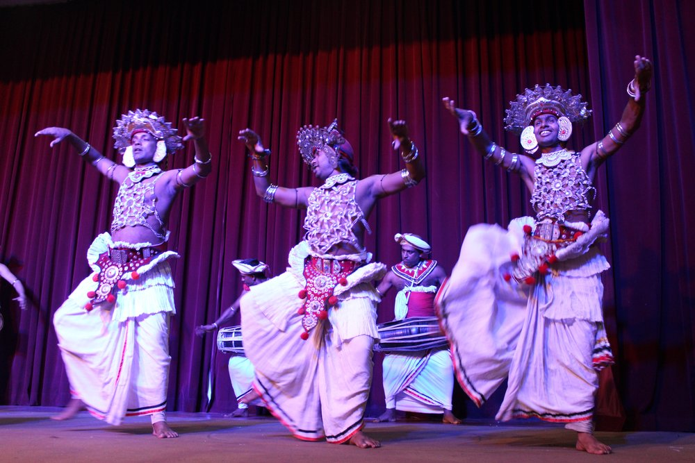 invite-to-paradise-sri-lanka-specialists-experts-travel-agent-tour-operator-kandy-cultural-dance-show-2.jpg