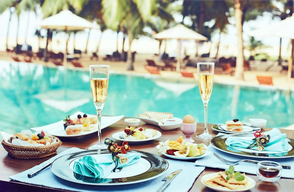 invite-to-paradise-sri-lanka-specialists-experts-travel-agent-tour-operator-jetwing-beach-hotel-negombo-bubbly-breakfast.jpg