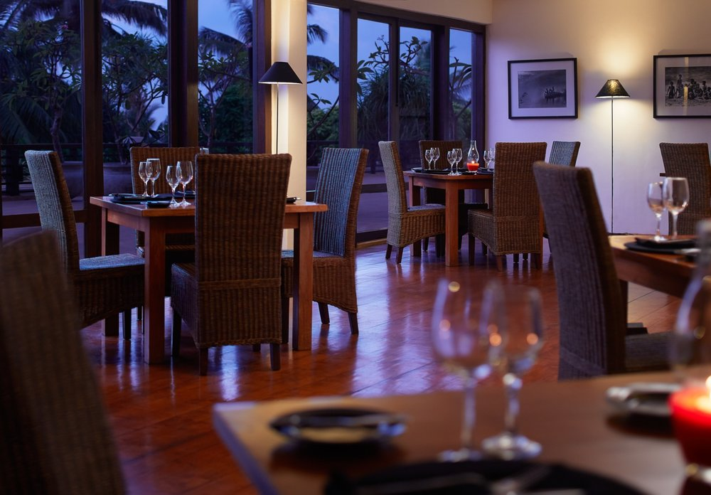 invite-to-paradise-sri-lanka-specialists-experts-travel-agent-tour-operator-jetwing-beach-hotel-negombo-black-coral-restaurant.jpg