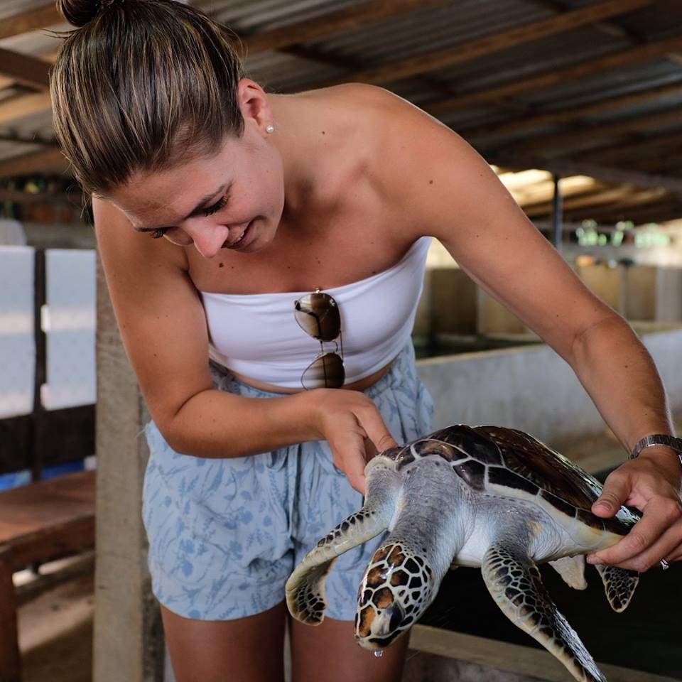 invite-to-paradise-sri-lanka-maldives-holiday-honeymoon-specialists-customer-feedback-matthew-hannah-fordham-sea-turtle-hatchery.jpg