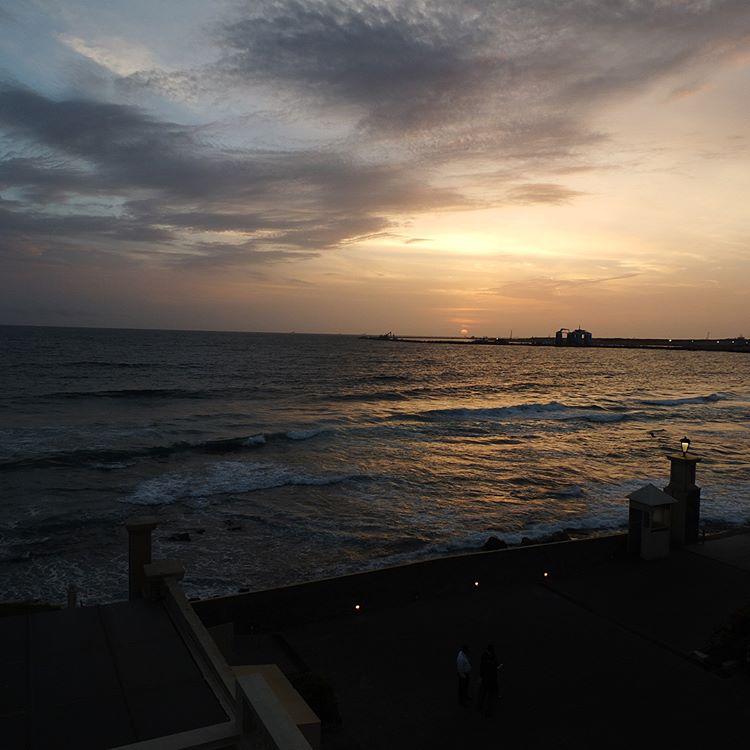 invite-to-paradise-sri-lanka-maldives-holiday-honeymoon-specialists-customer-feedback-edward-bethan-galle-face-hotel-sunset.PNG