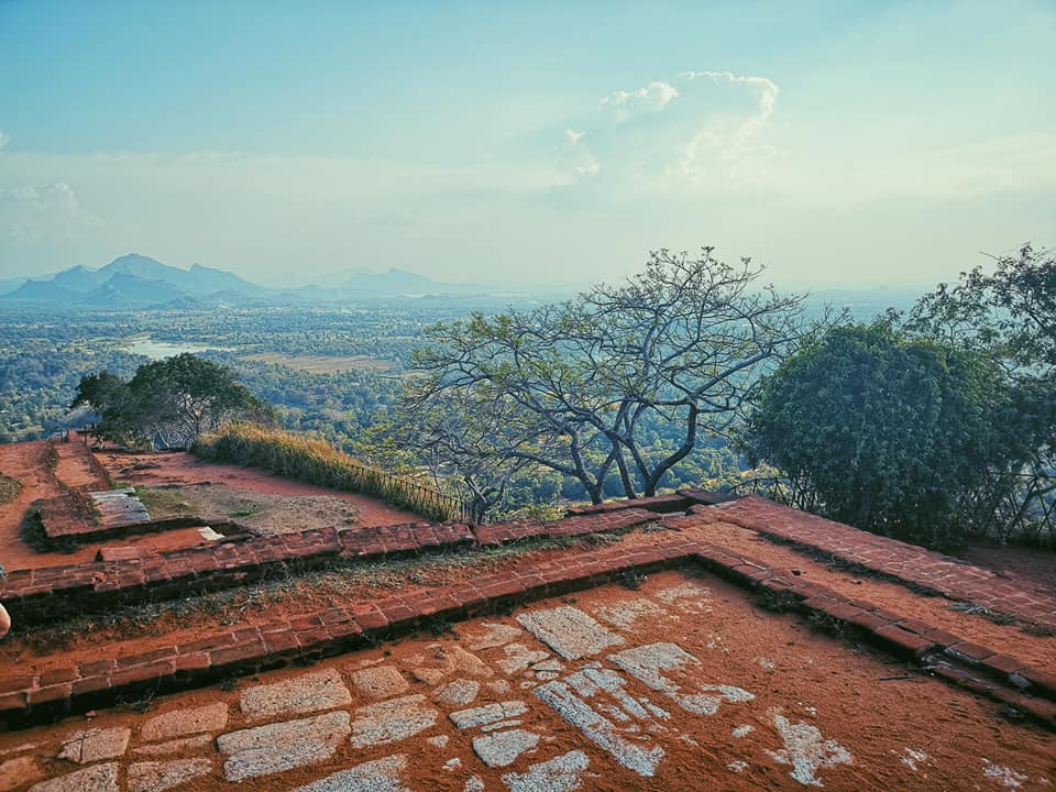 invite-to-paradise-sri-lanka-holiday-honeymoon-specialists-customer-feedback-elin-jordan-luce-sigiriya-view-2.jpg