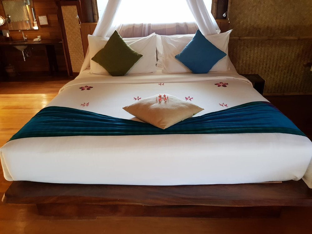 invite-to-paradise-sri-lanka-maldives-holiday-honeymoon-specialists-customer-guest-feedback-zane-lisa-butcher-jetwing-vil-uyana-hotel-sigiriya-cultural-triangle-room-bed-decoration.jpg