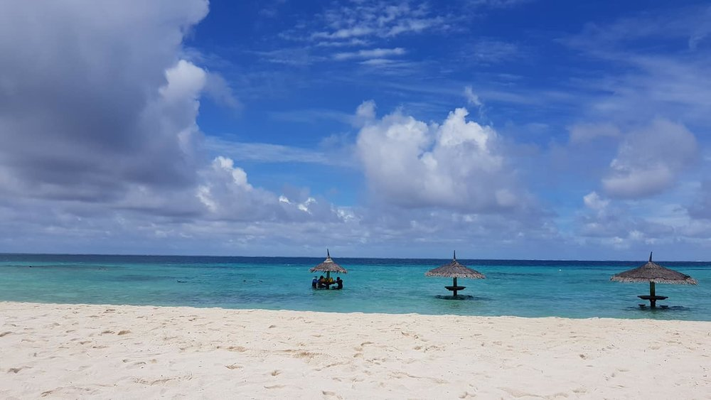 invite-to-paradise-sri-lanka-maldives-holiday-honeymoon-specialists-customer-guest-feedback-zane-lisa-butcher-centara-ras-fushi-beach-view.jpg