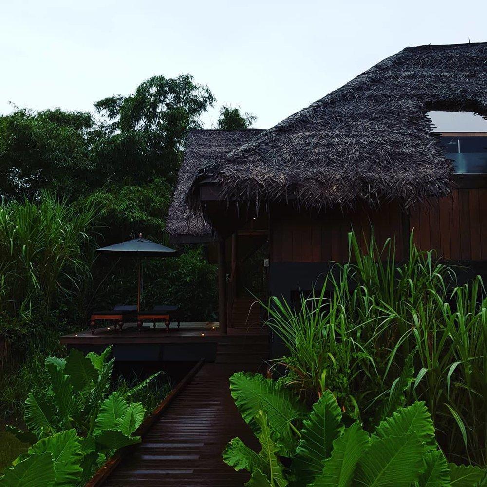 invite-to-paradise-sri-lanka-honeymoon-specialists-customer-guest-feedback-Paul-Traies-Chloe-Rowley-jetwing-vil-uyana-paddy-dwelling.jpg