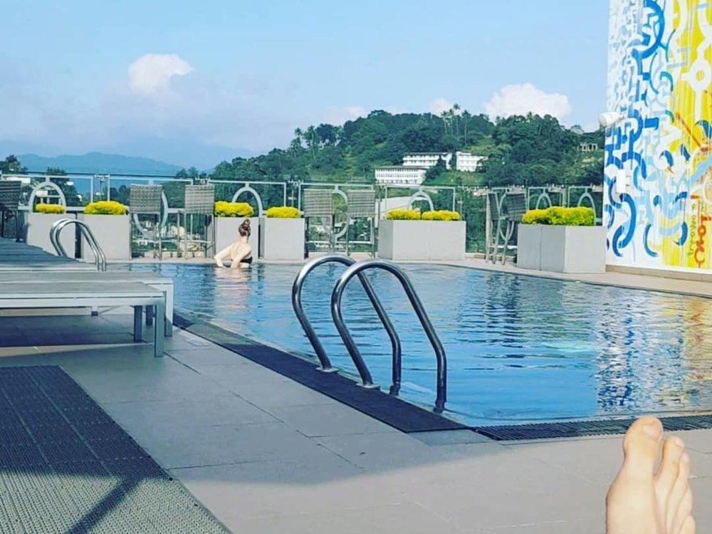 invite-to-paradise-sri-lanka-honeymoon-specialists-customer-guest-feedback-Paul-Traies-Chloe-Rowley-kandy-ozo-pool.jpg