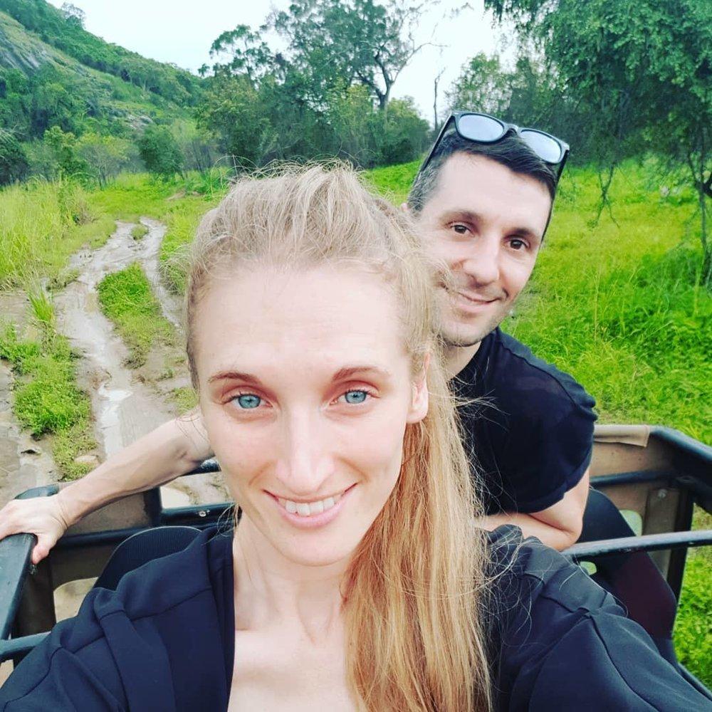 invite-to-paradise-sri-lanka-honeymoon-specialists-customer-guest-feedback-Paul-Traies-Chloe-Rowley-wildlife-safari-minneriya-4x4-jeep.jpg
