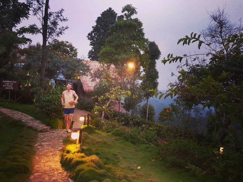 invite-to-paradise-sri-lanka-honeymoon-specialists-customer-guest-feedback-Paul-Traies-Chloe-Rowley-98-acres-ella-tea-plantations-1.jpg