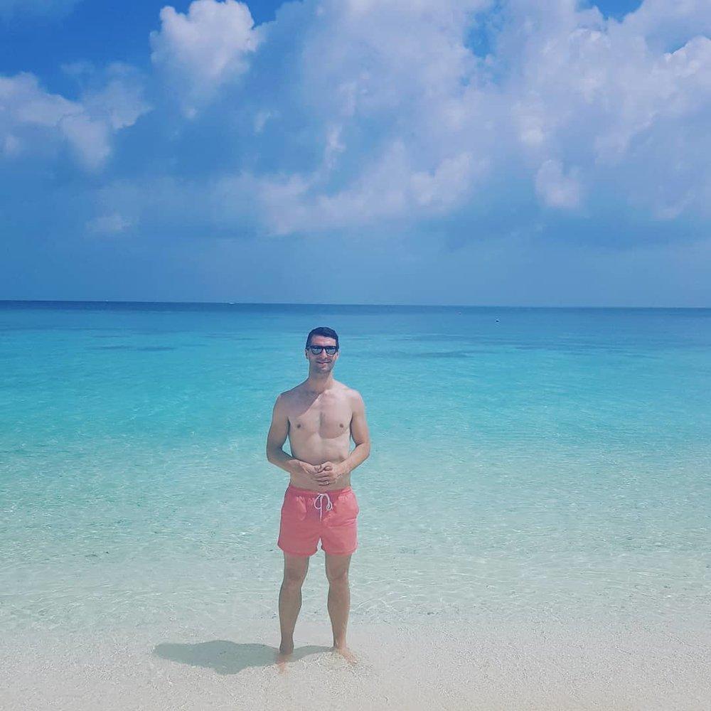invite-to-paradise-maldives-coco-bodu-hithi-honeymoon-specialists-customer-guest-feedback-Paul-Traies-Chloe-Rowley-beach-1.jpg
