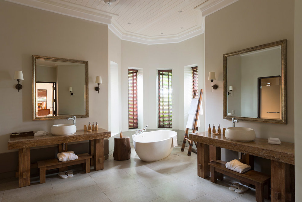 invite-to-paradise-sri-lanka-specialists-experts-travel-agent-tour-operator-cape-weligama-ocean-view-pool-villa-bathroom.jpg