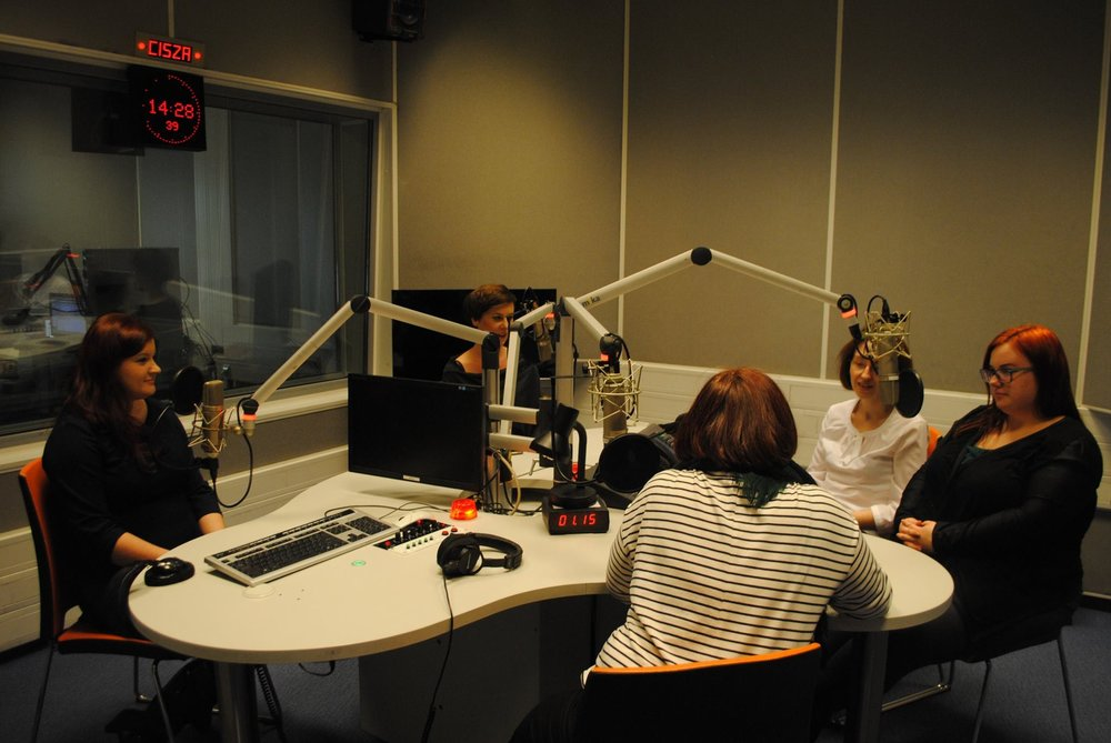 Lila and other JCC volunteers talking about their experience at the JCC on Radio Krakow.
