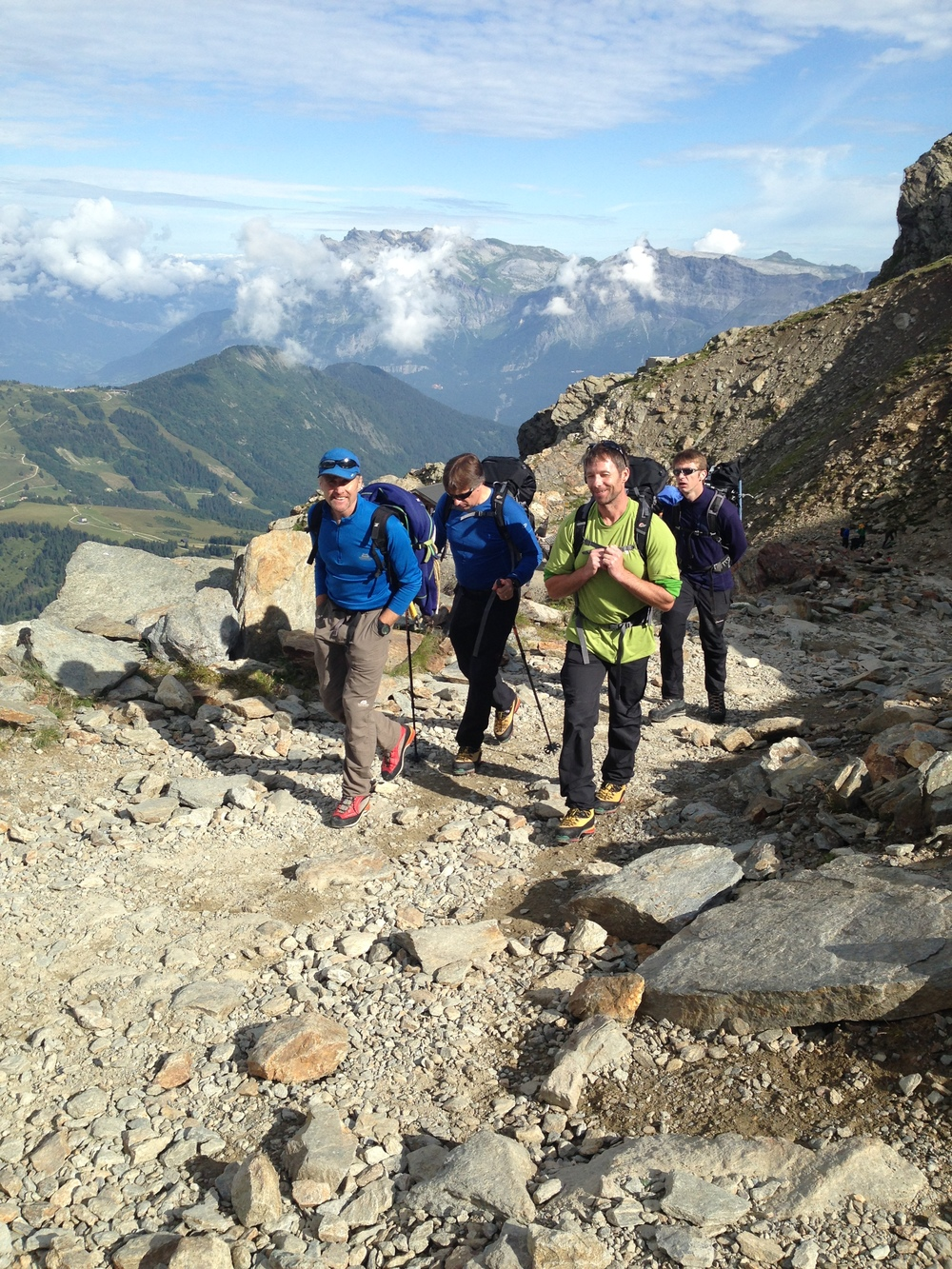 Walking up to theTête Rousse hut from the Nid d'Aigle train station