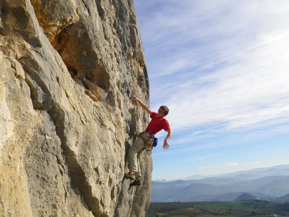 Chris Moore taking a rest on La Gimnasta F6c+, Sector Serena