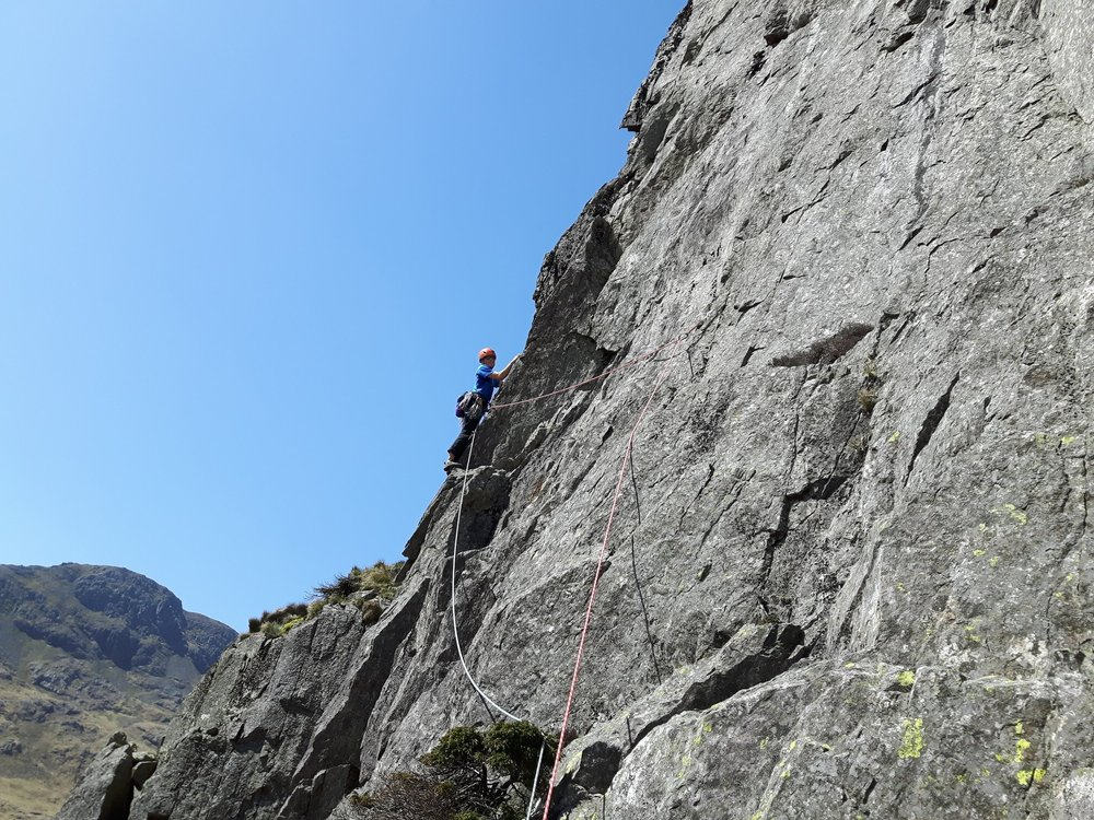 Trad climbing in the Lake District using half ropes