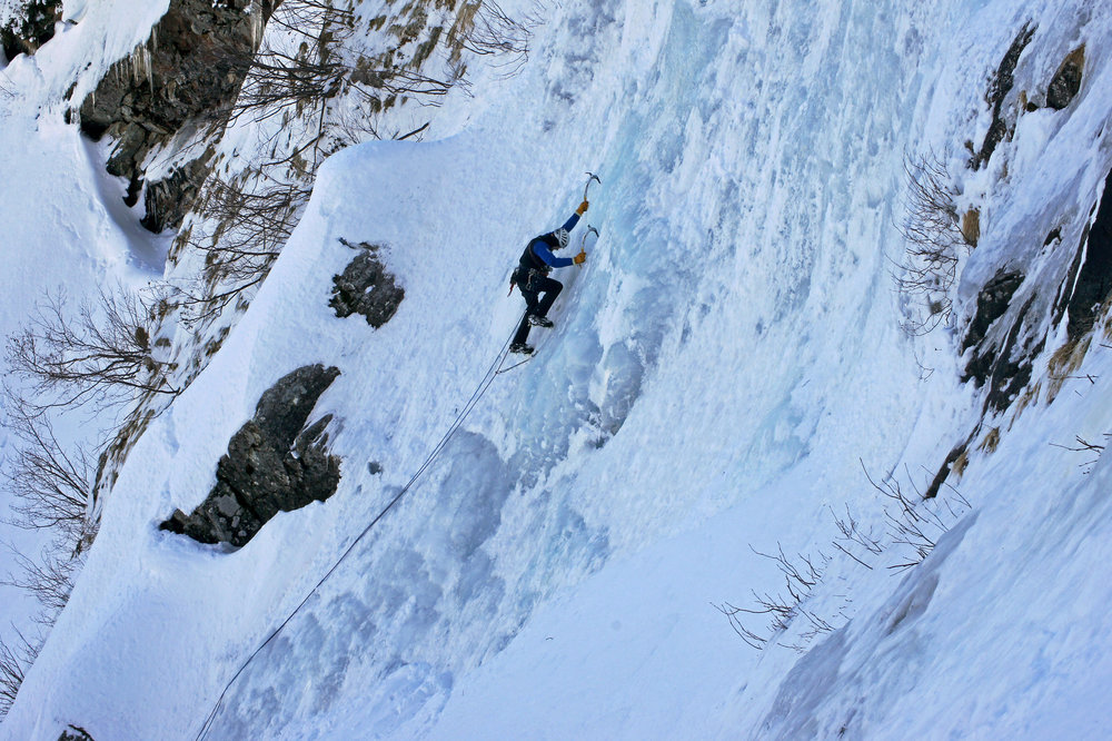AI 14.03 ice fall climbing from Andre 03 rs.jpg