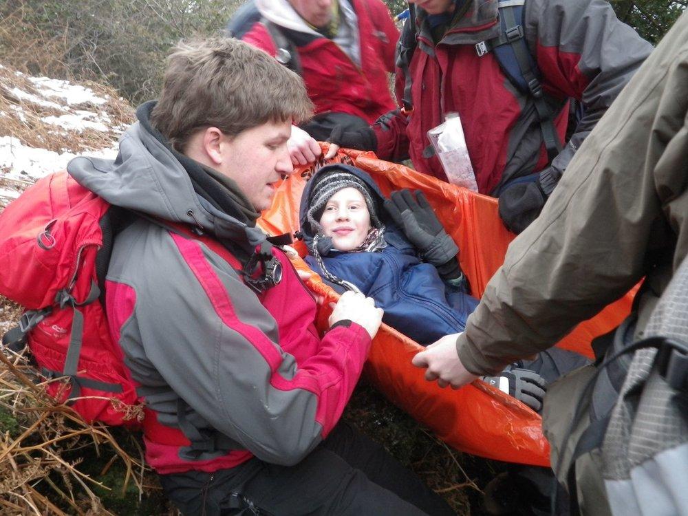 MLA 13.01 Mountain Leader training improvised rescue 01 1500px.jpeg