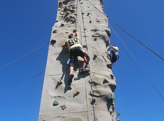 children rock climbing 02.jpg