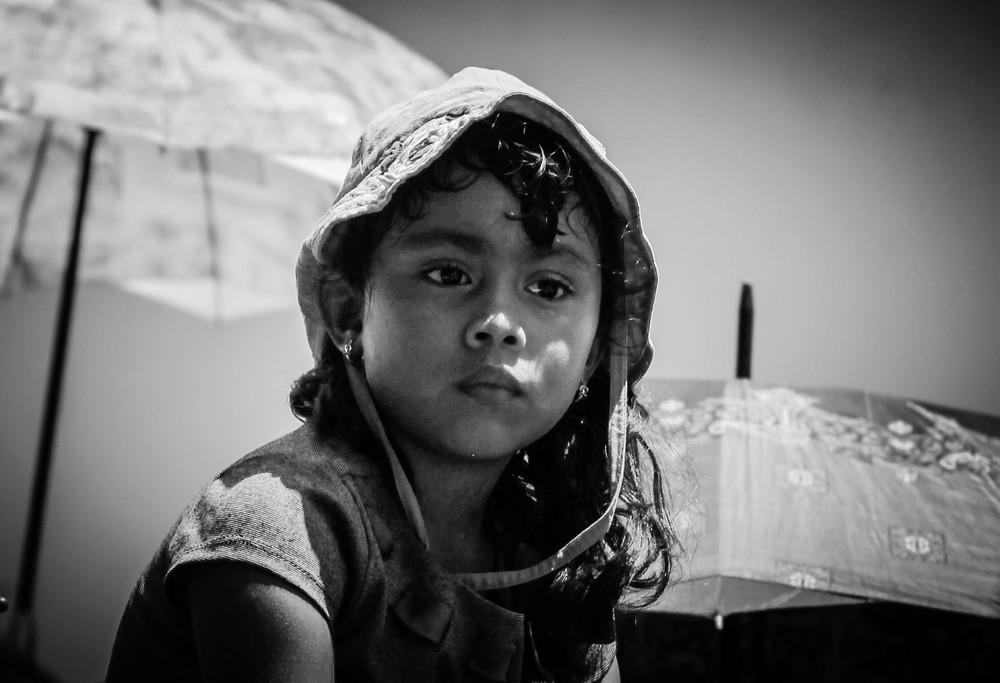 sun-hat-little-girl-dia-virgen-merced-leon-nicaragua