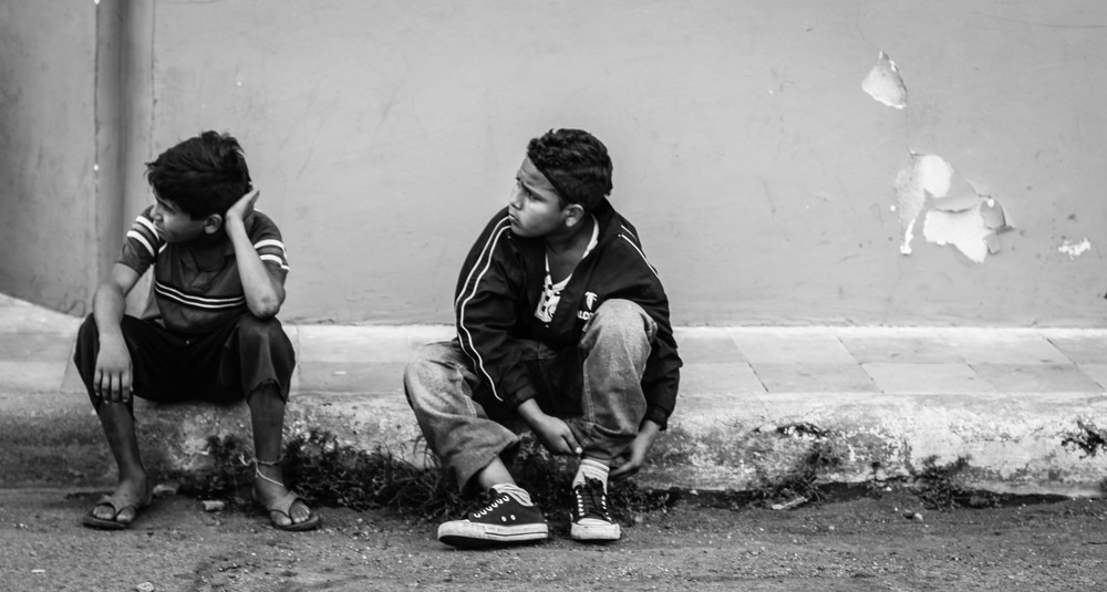two-boys-sidewalk-leon-nicaragua