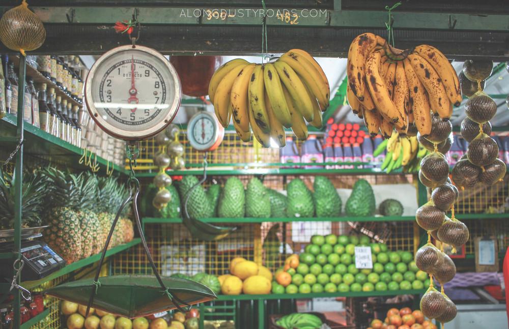 fruit stall minorista market