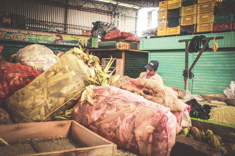 bags of maize minorista market