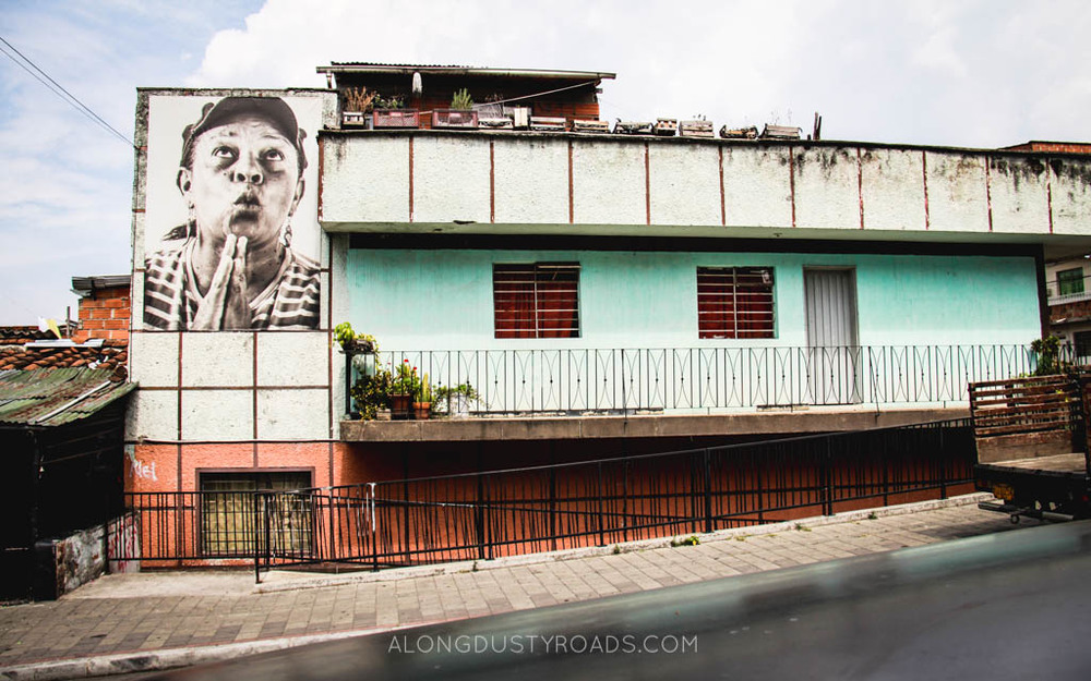 house and street art in comuna 13