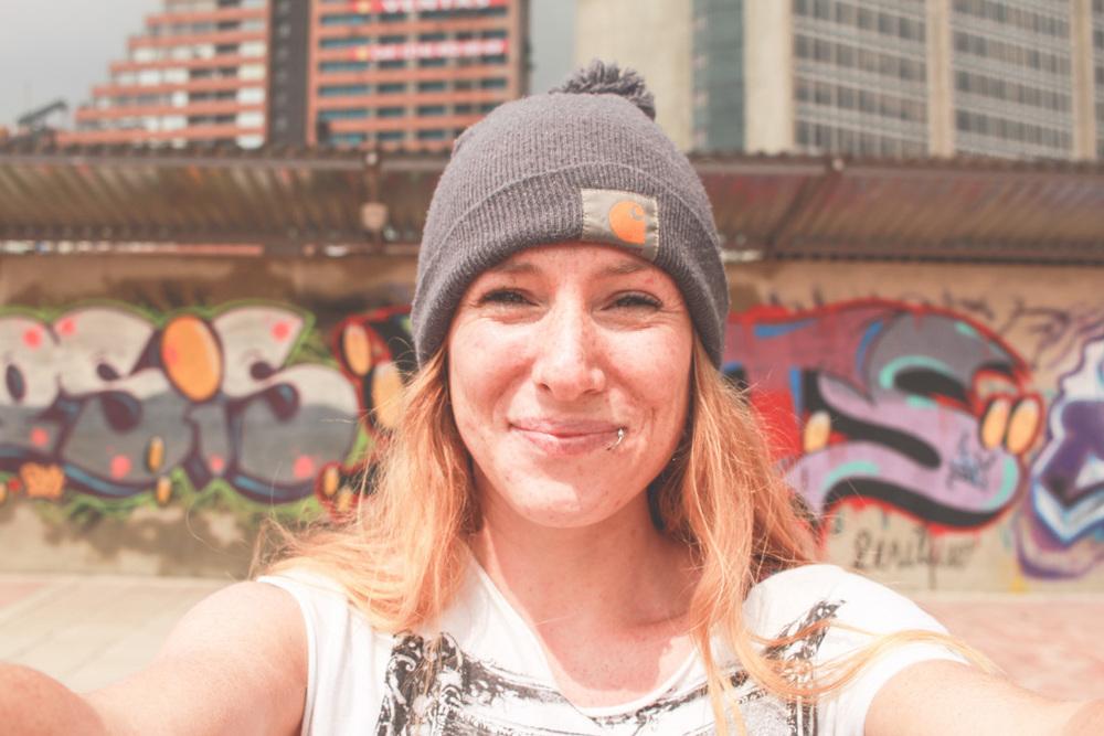 street art selfie bogota