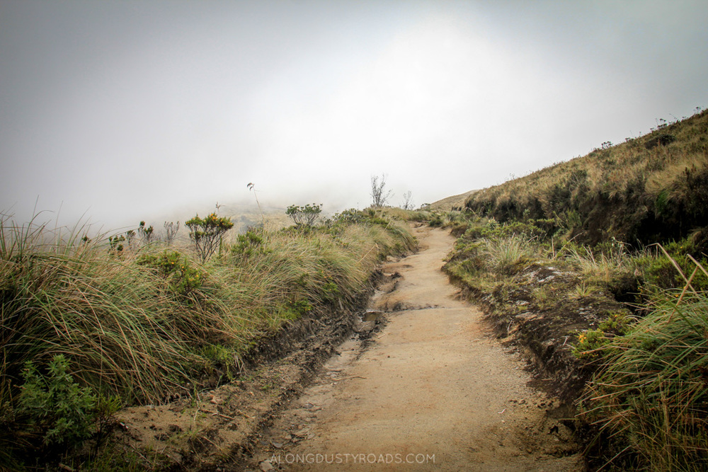 volcan azufral - alongdustyroads.com