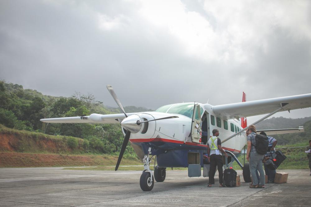 Unloading the plane in Puerto Obaldia