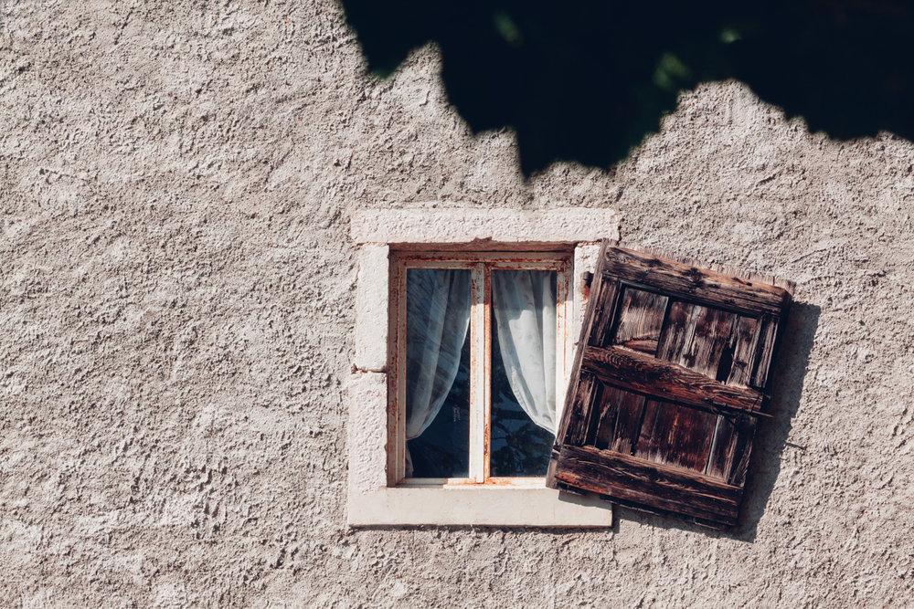 window-1731920.jpg