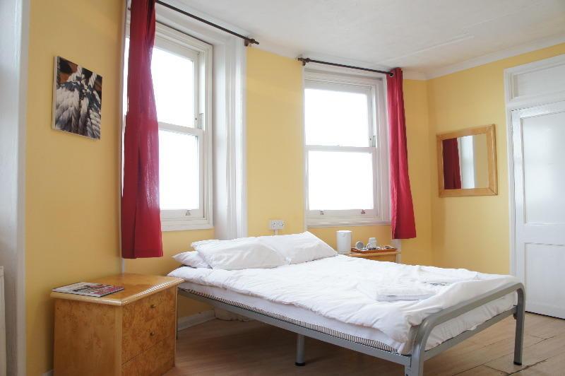 hostelpoint2.jpg