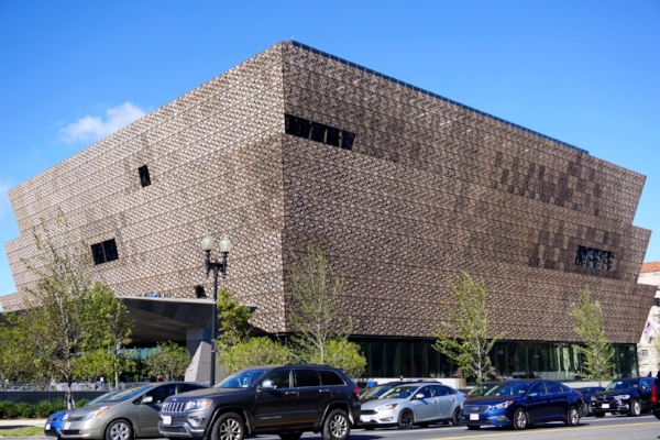📍African American Museum, Washington D.C. -Unfortunately, by the time we arrived to the Museum for the free tickets, they were already done distributing them by 6AM & were completely booked until May 2017 online.