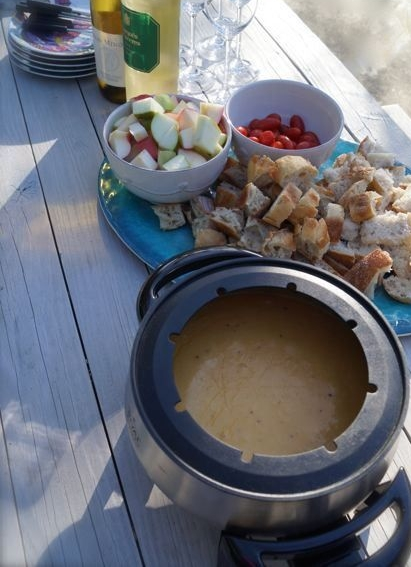 cheese fondue & a glass (or two)