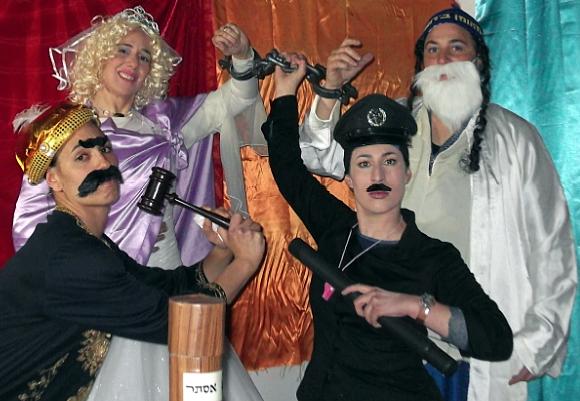 Flyer   design   for a Purim play   עיצוב פלייר להצגת פורים