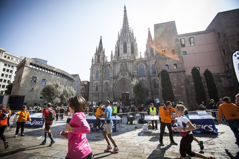 Run Barcelona Marathon for Charity - guaranteed places