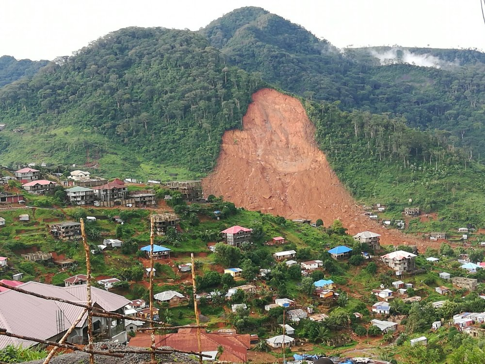 Hundreds killed after Sierra Leone mudslidevia The Guardian