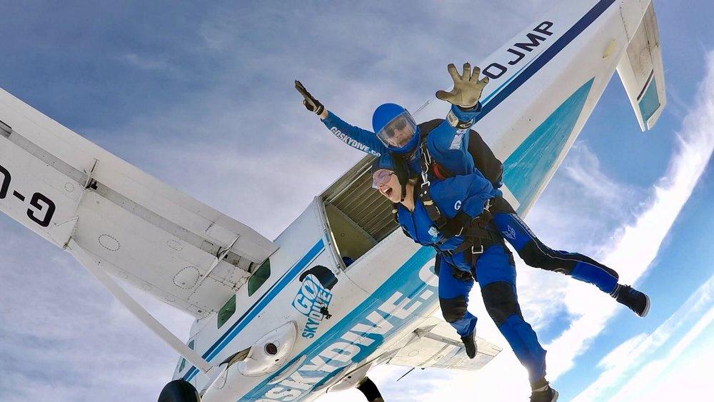 Mimi Jeffries sky dive